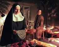 Jana sucht das GesprŠch zu Schwester Benedicta.